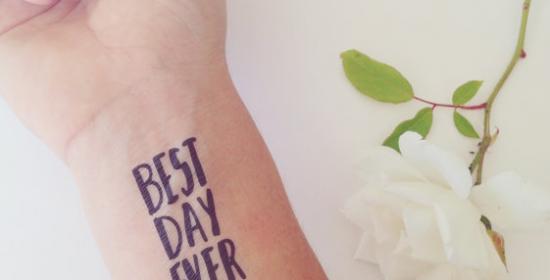plak-tattoo voor je bruiloftsgasten
