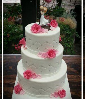 Bruidstaart lisette wit met felroze bloemen