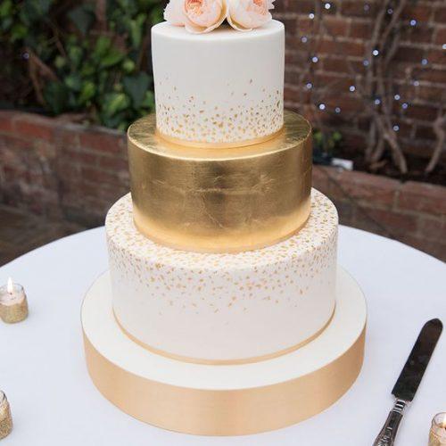 bruidstaart metallic rose goud