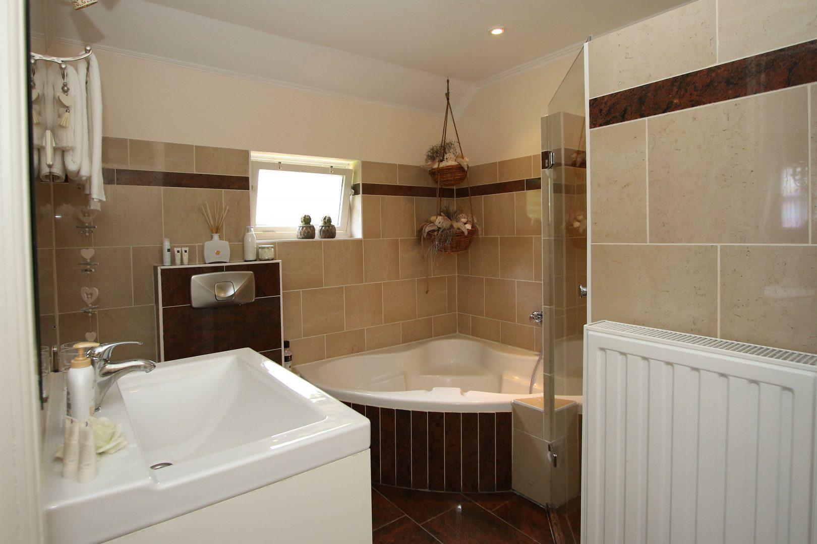 Badkamer Met Kiezelvloer : Woonkamer tegels badkamer vloer unique woonkamer vloer